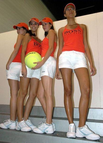 Сексуальные девушки на теннисном корте (36 фото)