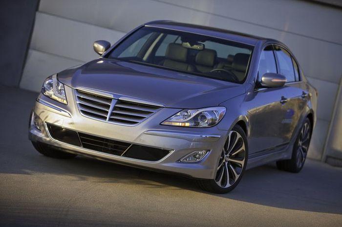 Рестайлинговый Hyundai Genesis получил 8-ступенчатый автомат (30 фото)
