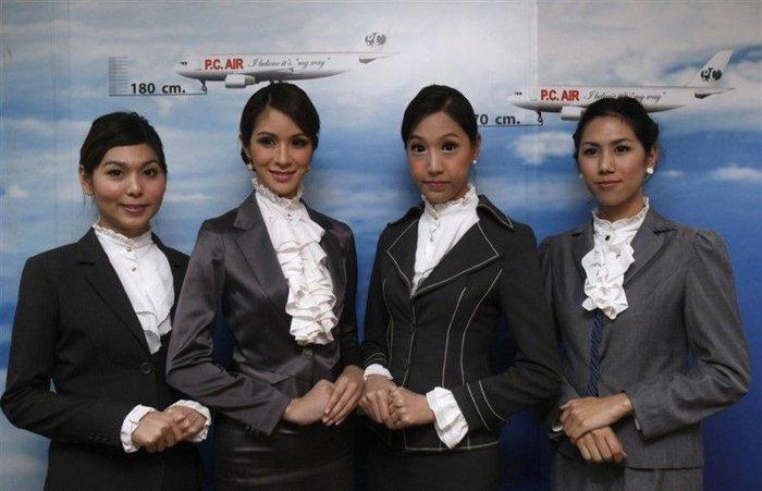 Тайские стюардессы-транссексуалы  (9 фото + текст)