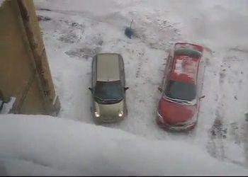 Женщина паркуется - 2 минуты из 10:)