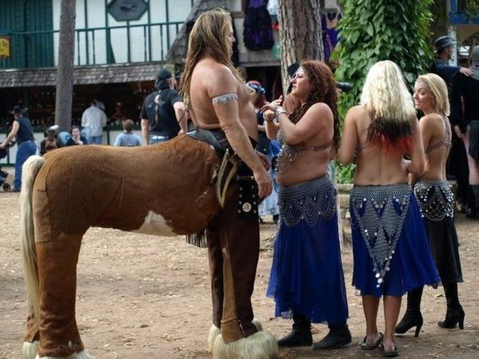 Красивая подборка людей-кентавров. (26 фото)