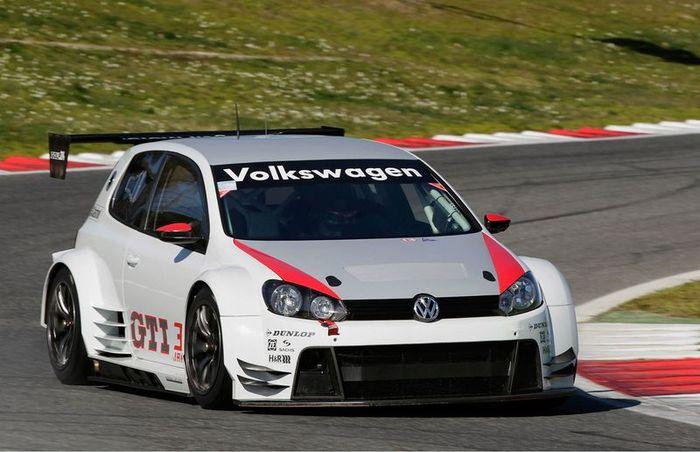 Гоночный Golf24 от концерна Volkswagen (4 фото)