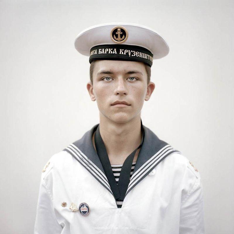 днем картинки военной формы моряк как полностью пластика
