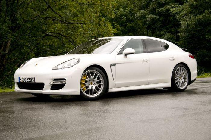 Удлиненный Porsche Panamera для Китая и Северной Америки (63 фото)