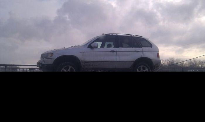 Паркетник BMW проедет везде!? (3 фото)