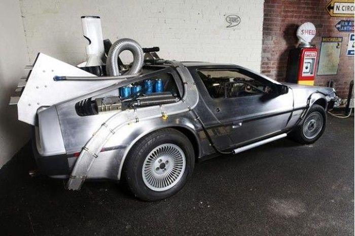 Музей «Автомобили звезд»  в Англии (17 фото)