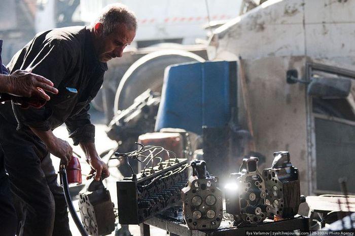 Автомастерские в Иордании (38 фото)