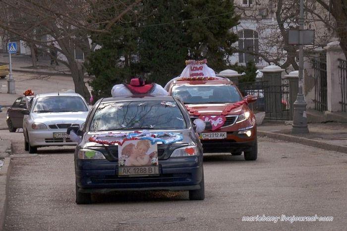 Парад love-мобилей в Севастополе (10 фото)