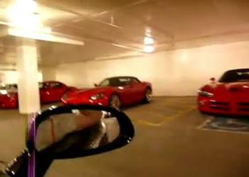 Огромный гараж, битком набитый Вайперами