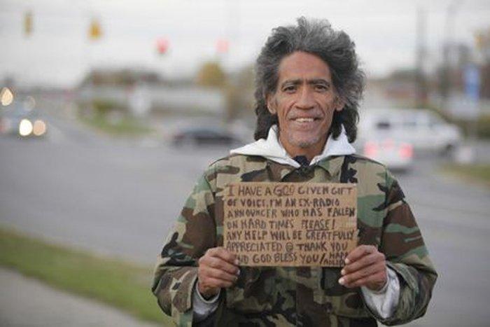 Ролик в Интернете перевернул жизнь бездомного (3 фото + видео)