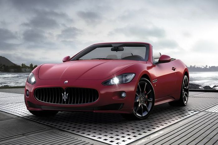 Maserati GranCabrio Sport показали до Женевского автосалона (8 фото)