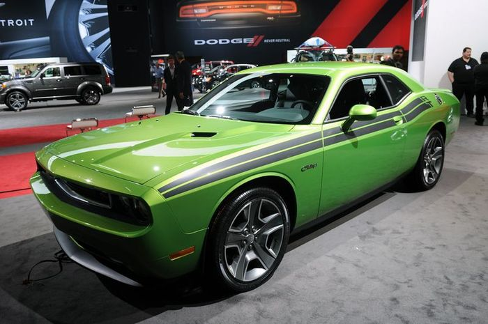Dodge Challenger SRT8 Green With Envy уже в продаже (19 фото)