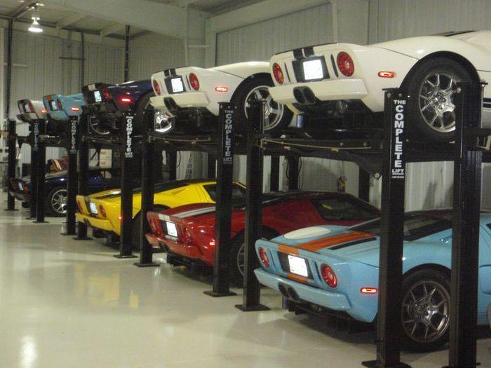 Частная коллекция из 15 новых Ford GT уйдет с молотка (12 фото)