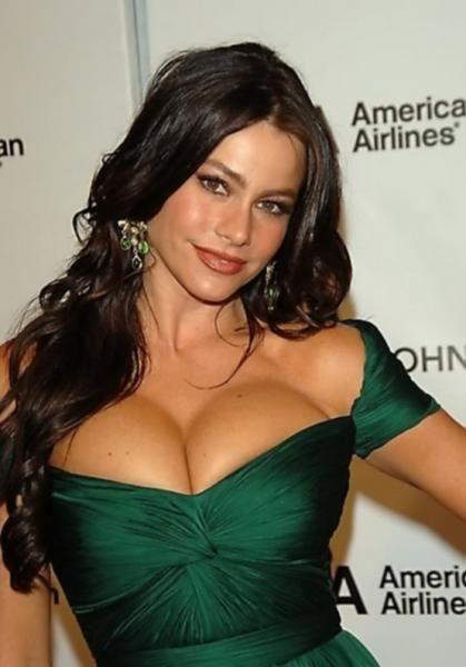 Список самых желанных женщин 2012 года (10 фото)