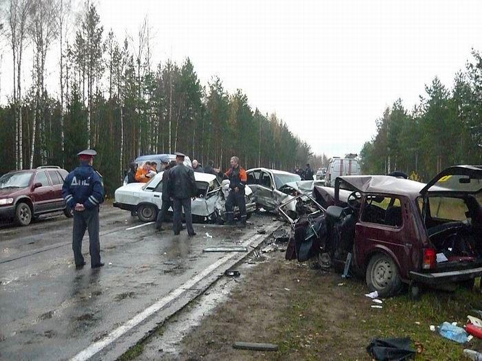 Российские аварии (17 фото+2 видео)