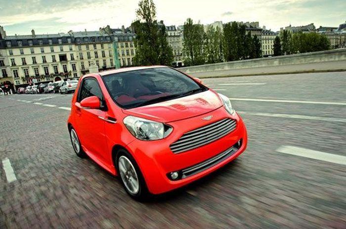 10 самых маленьких серийных автомобилей (10 фото)