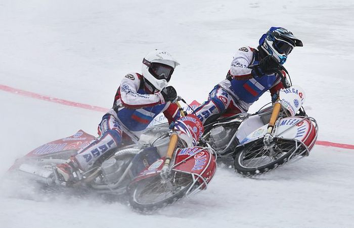 Чемпионата мира по мотогонкам на льду в Подмосковье (20 фото)