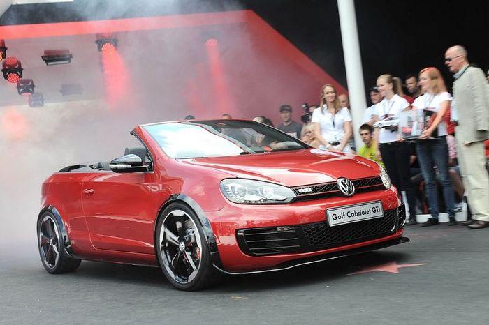 Volkswagen Golf GTI обзаведется версией без крыши (15 фото)