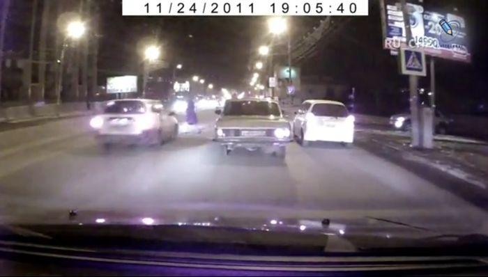Как и почему сбивают пешеходов (видео)