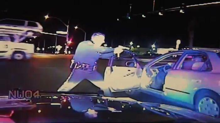Полицейский беспредел в США (видео)