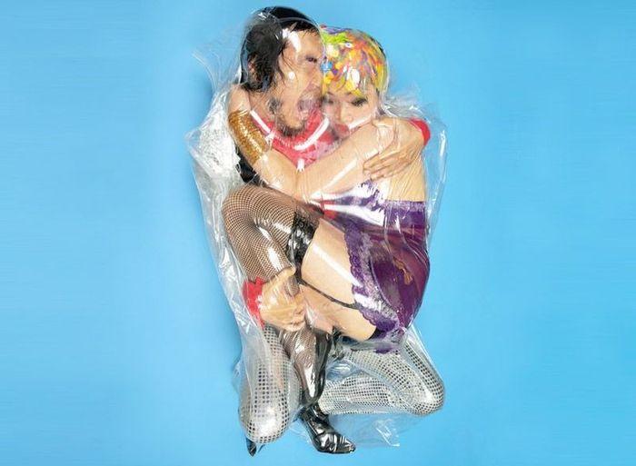 Любовные пары в вакуумной упаковке (18 фото)