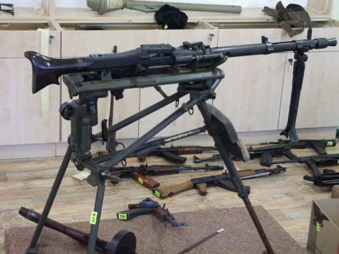 Оружие на черный рынок (21 фото)