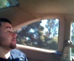 Плохо, когда пассажира тошнит, а в машине нет задних дверей