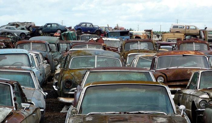 Автомобильное кладбище в Орегоне (99 фото)