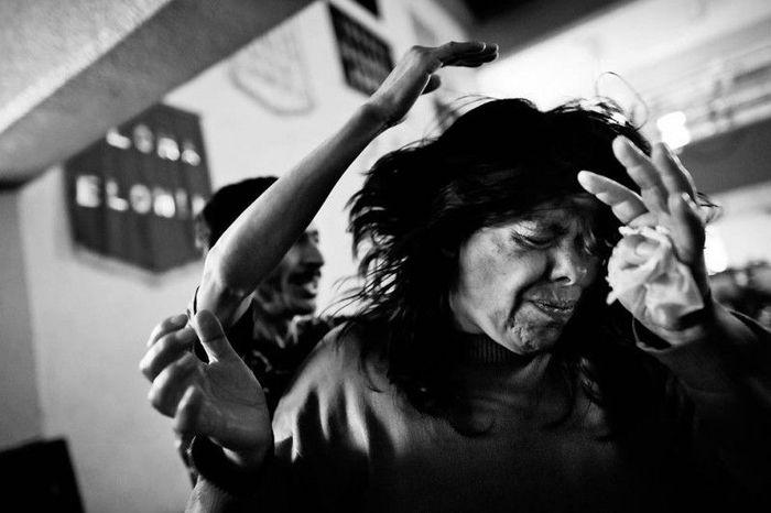 Экзорцизм в Мехико (13 фото)