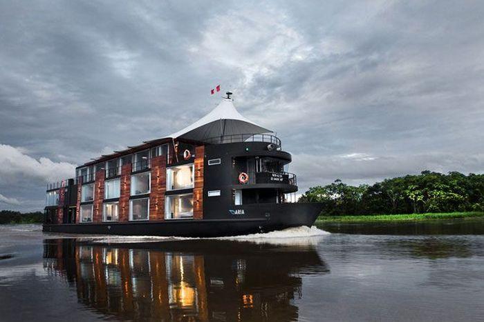 Плавучий пятизвездочный отель на Амазонке (19 фото)