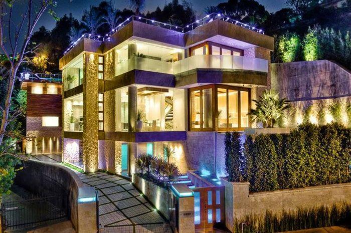 Трехэтажный холостяцкий особняк в Лос-Анджелесе (14 фото)