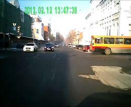 Не стой на пути у автобуса