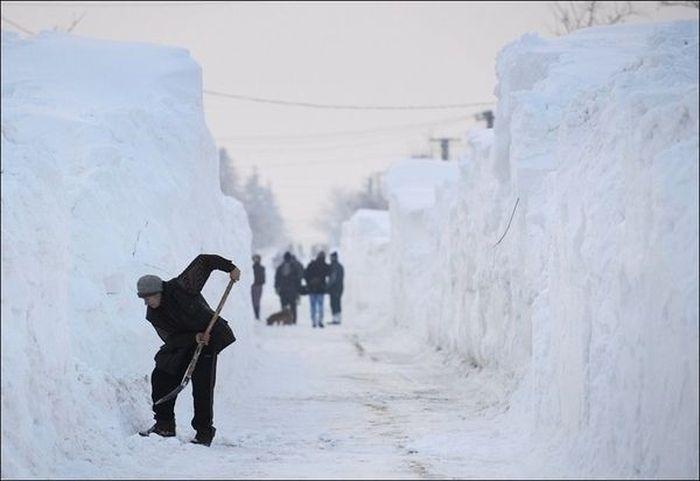 Снежные завалы в Европе (5 фото)