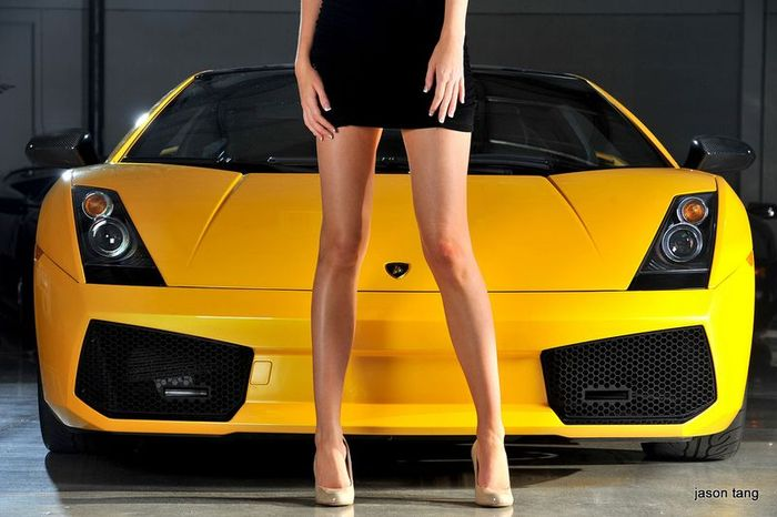 Шикарные модели и дорогие автомобили (20 фото+видео)