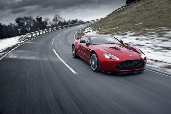 Компания Aston Martin провела фейслифтинг для V8 Vantage (7 фото)