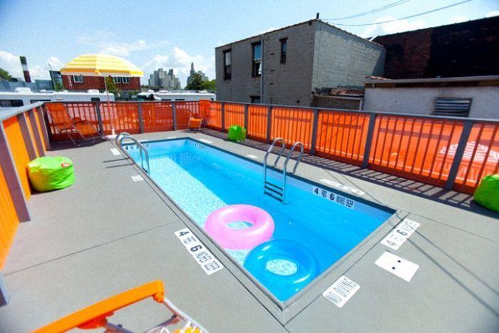 Необычный бассейн на улице Нью-Йорка (13 фото)