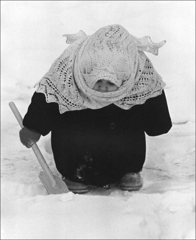 http://ru.fishki.net/picsw/022012/24/post/detstvo/detstvo-0002.jpg