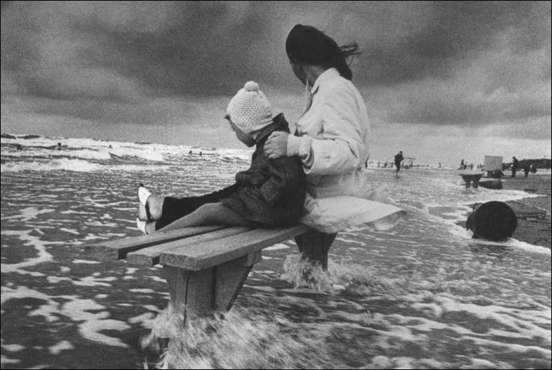 http://ru.fishki.net/picsw/022012/24/post/detstvo/detstvo-0004.jpg