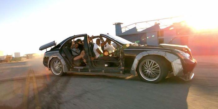 Распиленный для клипа Канье Уэста и Jay-Z Maybach 57 будет продан ан аукционе (9 фото+видео)