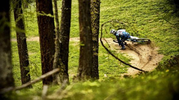 Крутые фотки велосипедист, кросс, крутой поворот, спортсмен