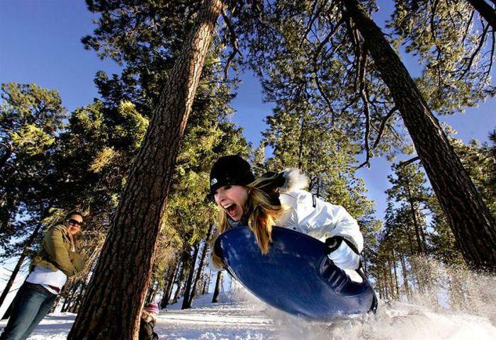 Зачетное фото в лесу, выражение лица, девушка, по снегу