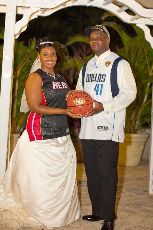 Фотожесть баскетбол, прикол, свадьба, супруги, темнокожие