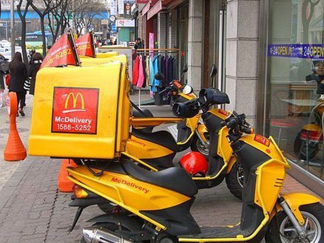 Яркие фото доставка, макдональдс, мопеды, скутеры