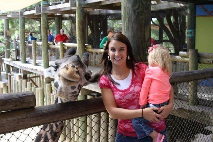 Юмор выражение лица, голова, жираф, мама и дочь