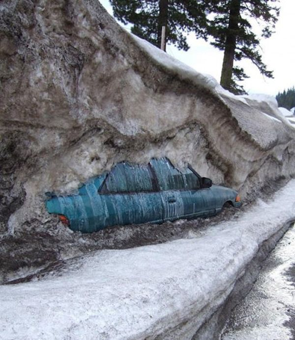 Юмор жесть, замело, засыпало, машина под снегом
