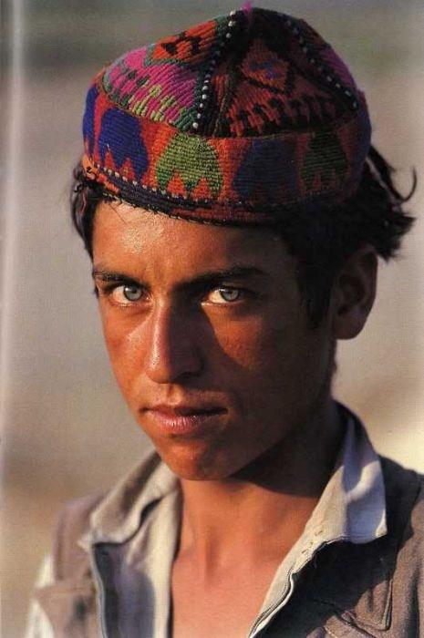 заставляет национальность афганец фото это повод разбрасываться