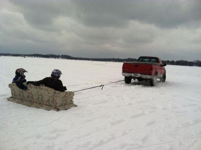 Смешная фотогалерея диван, по снегу, угадай страну, шевроле