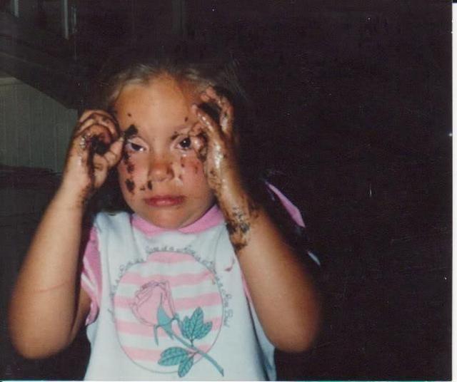 Улетное фото грязная, девочка, испачкалась, ребенок