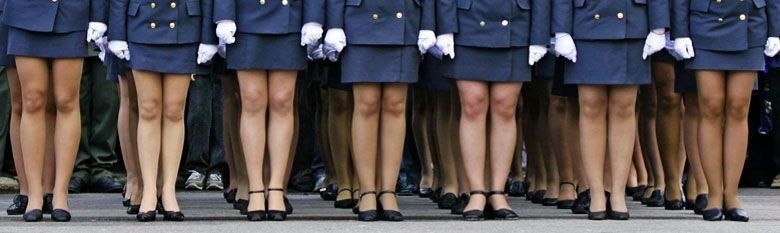 смотреть у девушек в военной форме под юбкой обязательно должна найти