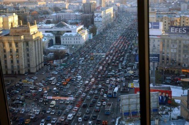 Пробки и невероятные развязки в мире (33 фото)